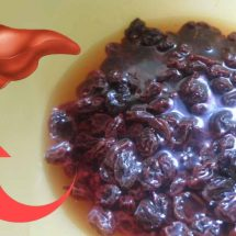 Detox Your Liver Naturally Using Raisins and Water