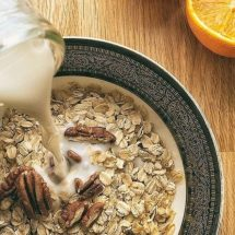 Evidence Based Benefits of Oats or Oatmeal Including Nutrition Facts (Calories, Protein, Fiber and More)
