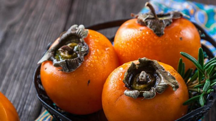 10-Healthy-Reasons-To-Eat-a-Persimmon-Every-Day