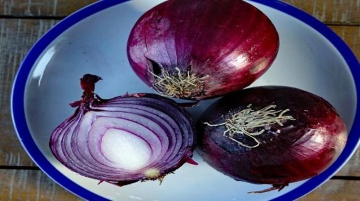 Eat-More-Red-Onions-It-Prevents-Heart-Attack,-Lower-Blood-Sugar-and-Blood-Pressure