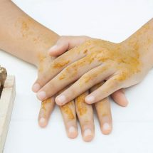 12 Proven Benefits of Turmeric for Skin