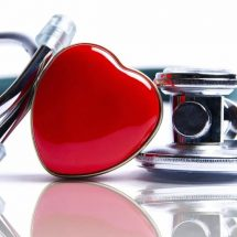 12 Heart Attack Symptoms (and 5 Recovery Tips)