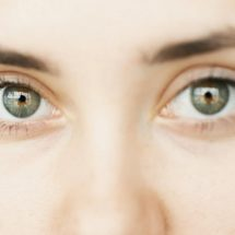 Do These 3 Simple Things Daily To Get Rid Of Dark Circles Under Eyes